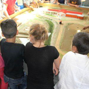 maquette-marais-hall-scolaires-perisoclaires-enfants-cite-de-lhuitre