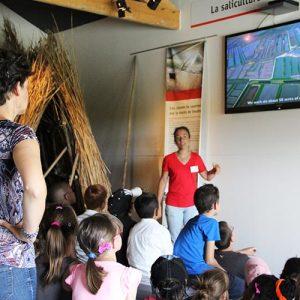 scolaires-periscolaires-enfants-cabanes-rouge-visite-guidee-cite-de-lhuitre